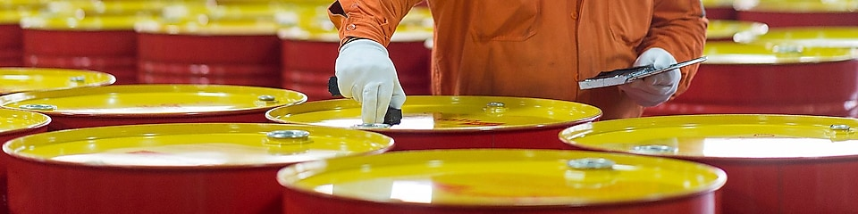 shell-lubricants-drums